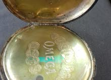ساعة أوميغا قديمة