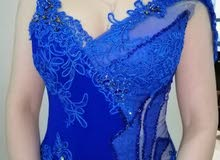 فستان ازرق غامق