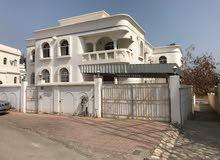 فيلا راقية للبيع بجانب فندق بيت الحافة