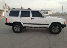 White Jeep Cherokee 2001 for sale