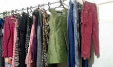 ملابس خليجى متنوع تشمل اطفالى وعبيات استقبال حريمى وبناطيل تباع بالكيلو