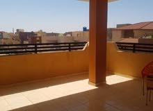 شقة الطاۑف للايجار مفروشة فرش فخم.  تتكون من 3غرف 3حمامات 2صالة.  اصناصير تكييف