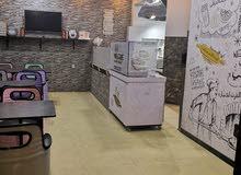 مطعم مجهز بالكامل موقع مميز سعر مغري للبيع - الصويفيه
