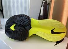 بيع حذاء رياضي