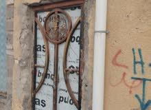 شقه للأيجار العنوان القبله حي القائم على الشارع العام تقع بين سوق المسطر ولمدارس