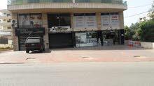 للبيع محل بدوحة عرمون على الشارع الرئيسي