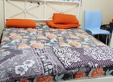 غرفة نوم من أيكيا بيضاء اللون
