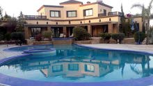 فيلا فاخرة 6 غرف ماستر للإيجار بمدينة مراكش الساحرة