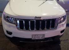 White Jeep Grand Cherokee 2012 for sale