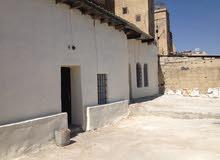 بيت طابقين للبيع جبل عمان مساحة الأرض 355 متر  بسعر مغري مع قوشان مستقل