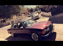 Maroon Mercedes Benz E 230 1981 for sale