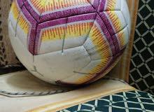 كرة أصلية للبيع