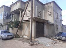 منزل يوجد في حي السلام خلف شل بوكر يتكون من طابقين