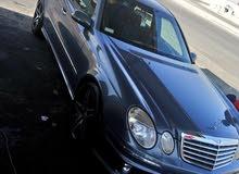 سيارة مرسيدس 2004. E500 للالاا