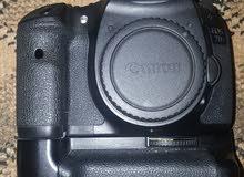 كانون 7d شبه جديدة مع كامل الملحقات وملحقات اضافية للبيع Canon EOS 7D