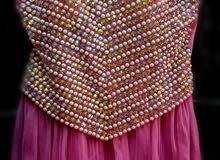 فستان للبيع ب 200