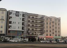مبنى بالأنصب  بنفس خط بنك مسقط بجانب بيتزا هت ورواسكو وباسكن روبنز