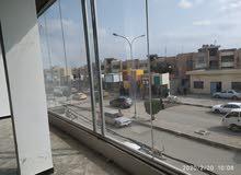البنايه للأيجار المساحه 200 متر العنوان شارع الاسكان  مقابل مضخه الشقق الأستفسار07727431589