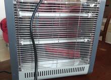 مدفأة كهربائية تدفأة من ثلاث جهات بحالة جيدة مستعملة لمدة ثلاث سنوات للبيع
