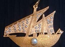 قطعة وحيدة قلادة ذهبية مرصعة باللؤلؤ الطبيعي فريدة في العالم