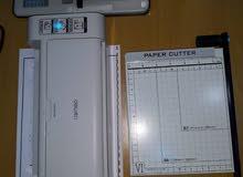 مواد واثاث مكتب طباعة للبيع ( شاشة ضوئية واثاث )