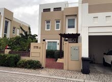 Villa age is 1 - 5 years, consists of 3 Bedrooms Rooms and 4 Bathrooms Bathrooms