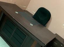 مكتب خشبي للبيع