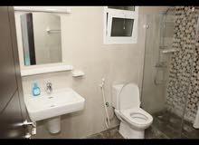 غرف مفروشة للأجار اليومي مع حمام خاص في القرم شارع سيح المالح تناسب العوائل