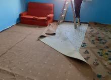 شقه في شارع بنغازي الدور التاني غرفتين ومربوعه ومطبخ وحمام