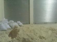مستودع بابين عرض 7 متر طول 10 متر ارتفاع 4.5 متر العنوان جبل النصر حي عدن