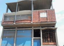 بيت 3 أدوار مساحتة 120 مترصافى تانى نمرة من على طريق الزرقية