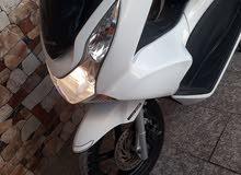 دراجه pcx جديده مال رمبه ياباني محرك 125 سرعه 160