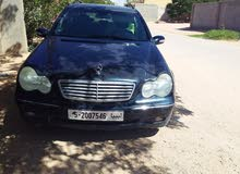 Available for sale! +200,000 km mileage Mercedes Benz C 220 2003