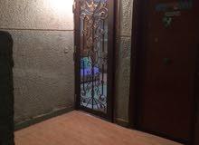 شقة تشطيب لوكس قديم، داخلي 120 متر بالنعام، تبعد 5 دقائق مشي من المترو