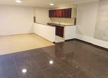 شقة فارغة للايجار صغيرة شارع مكة 180 شهري 1نوم صالون