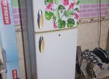 للبيع ثلاجة نظيفه وشرط الشغل تجمد حجم 12 قدم