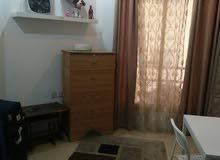 شقه غرفه وصاله بموقع متميز بميدان حولي لايجار الدائم بالاغراض