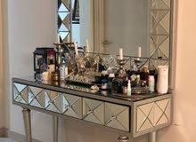 glass mirror set eith mirror drawer