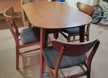 سفرة 4 كرسي بحالة ممتازة جدا