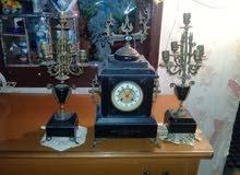 ساعة قديمة فاخرة