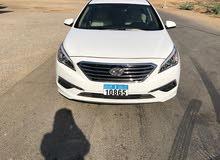 Hyundai Sonata car for sale 2015 in Al Khaboura city