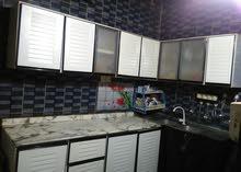 بوفيه مطبخ المنيوم نظيف