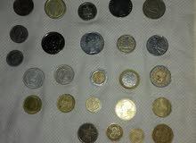 نقود مستعملة قديمة مختلفة