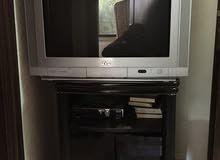 تلفزيون نوع JVC  مع طاولة