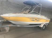 قارب بحري للبيع