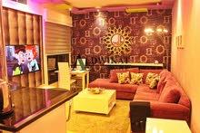 شقة مفروشة للبيع في اجمل مناطق عبدون , مساحة البناء 75م