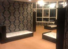 سرير للايجار في شقة نظيفة على كورنيش عجمان