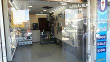 مطلوب شريك لمحل اجهزة خلوية بمجمع عمان الجديد
