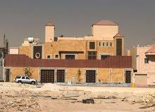 للبيع فيلا مساحة 900دور وشقتين حي النرجس مع قبو ومصعد ومسبح