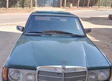 سيارة مرسيدس 200